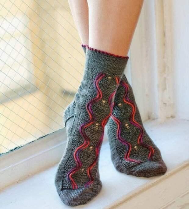 Схема для вязания красивых носков в подарок