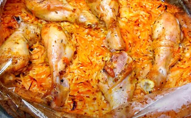 Ужин без сковородок, готовим все в пакете. Смешали курицу с рисом и капустой