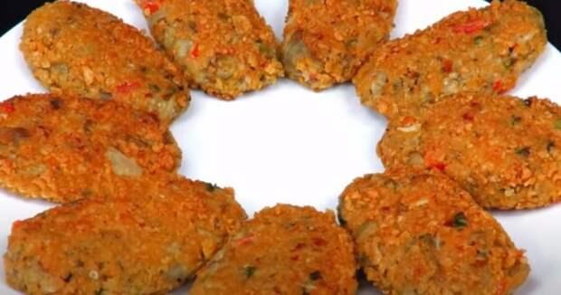 Котлеты из баклажанов получаются вкуснее мясных. Нежное и сочное овощное блюдо