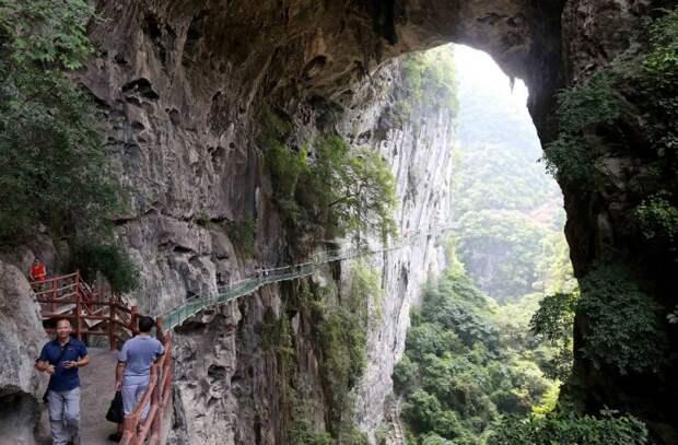 Экстремальный туризм в Китае: развлечения не для слабонервных