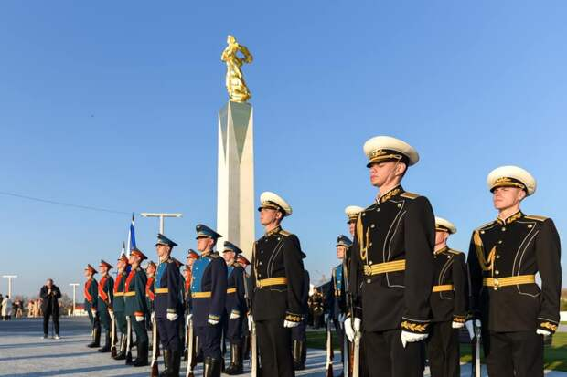 Полиция Севастополя не дала коммунистам испортить открытие памятника