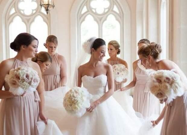 Что делать со свадебным платьем после свадьбы: приметы