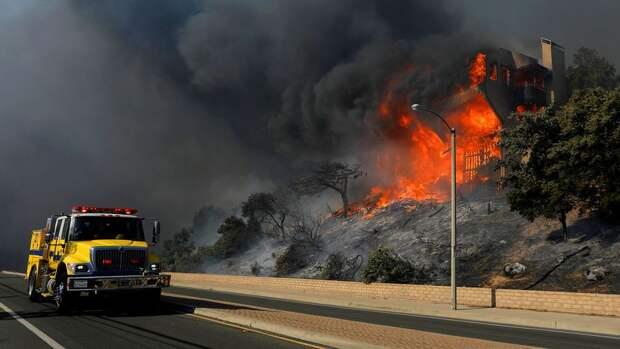 В Колорадо бушует самый крупный в истории штата пожар
