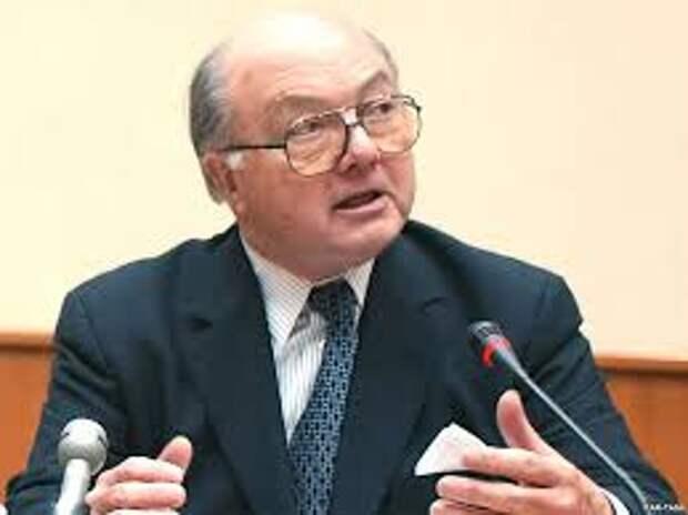 Экс-посол США: Мы не смеем осуждать Россию, т.к. не раз нарушали чужой суверенитет