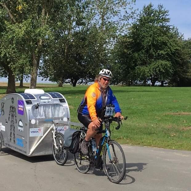 Мужчина, несмотря на диагноз, поехал путешествовать на велосипеде и вернул здоровье