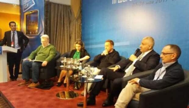 Форум свободных: Российские оппозиционеры поддержали блокировку соцсетей РФ на Украине
