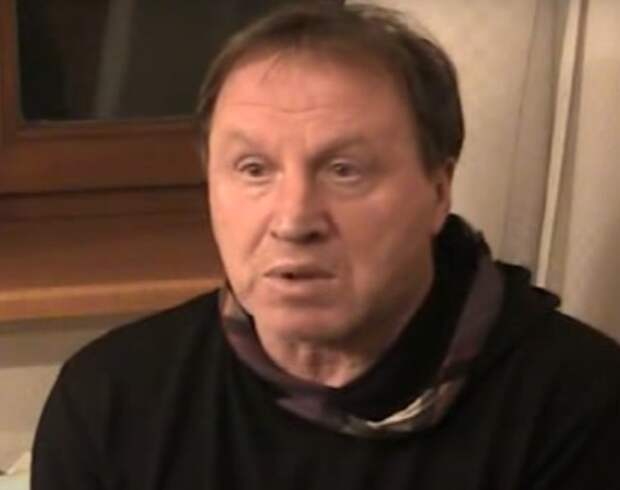 Народного артиста России Владимира Стеклова госпитализировали с коронавирусом