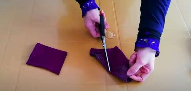 Мастерица сделала крутую и практичную вещицу из дырявых носков
