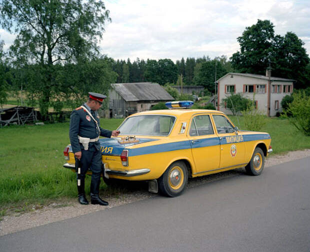 Коллективная амнезия: фотограф из Латвии инсценировал советское прошлое
