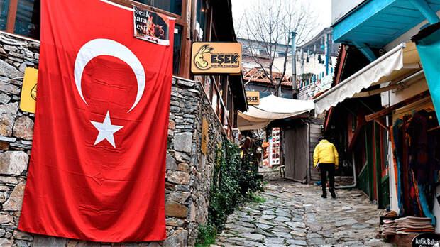 Полмиллиона туристов в обмен на 470 беспилотников. Почему Россия запретила полёты в Турцию
