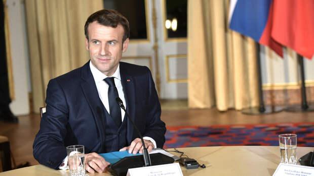 Президент Франции призвал Баку вывести свои войска с территории Армении