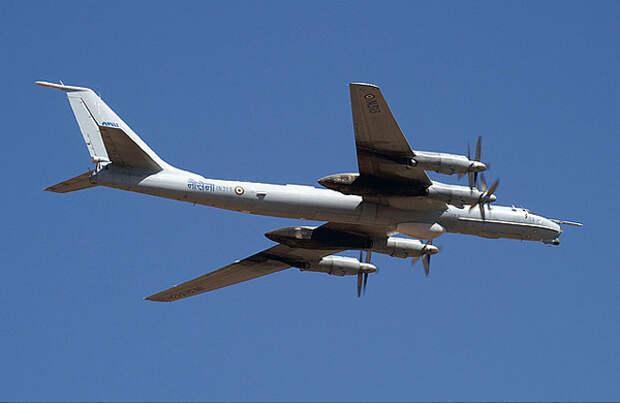 ВМС Индии объявили о списании советских противолодочных самолетов Ту-142М