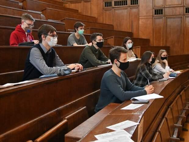 Глава РАН заявил о продолжении снижения качества подготовки выпускников российских вузов