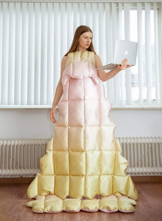 Для модниц на самоизоляции предложили платья-одеяла