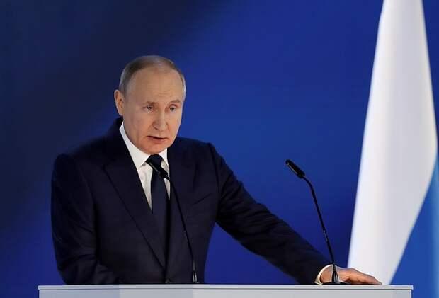 «Вокруг Шерхана мелкие Табаки подвывают»: Кого имел ввиду Путин