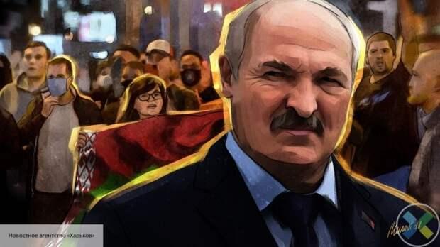 Пушков назвал, кто пытается санкциями свергнуть Лукашенко