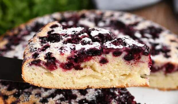 Рецепт изумительного пирога с ягодами на самом лучшем жидком тесте. Отлично пропекается!