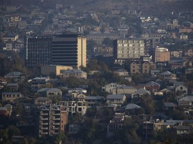 Жители Еревана остались без части автобусов из-за нехватки топлива