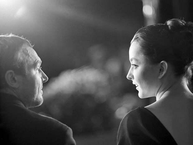 """Иннокентий Смоктуновский и Анастасия Вертинская на премьере """"Гамлета"""", 1964 год"""