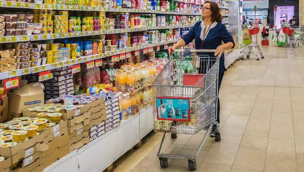 1/2 россиян хватает денег только на еду и одежду