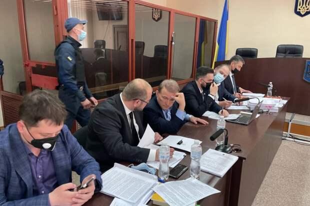 Пушков рассказал, почему Зеленский преследует Медведчука