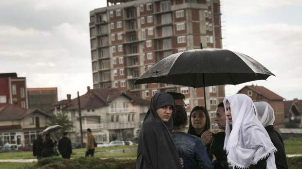 Турист из России сравнил столицу Косово с «подгнившей сливой»