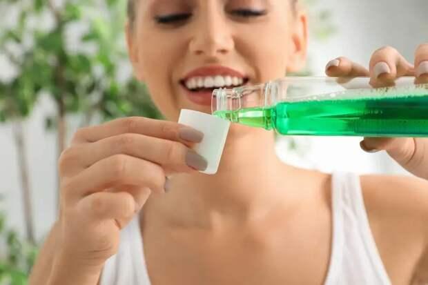 А вы делаете это правильно? Ролик о том, как нужно чистить зубы, удивил пользователей соцсетей