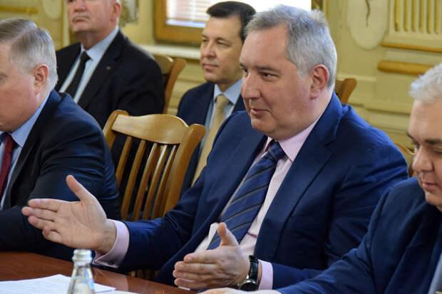 Рогозин усмотрел в предложении Маска попытку вывести ядерное оружие в космос