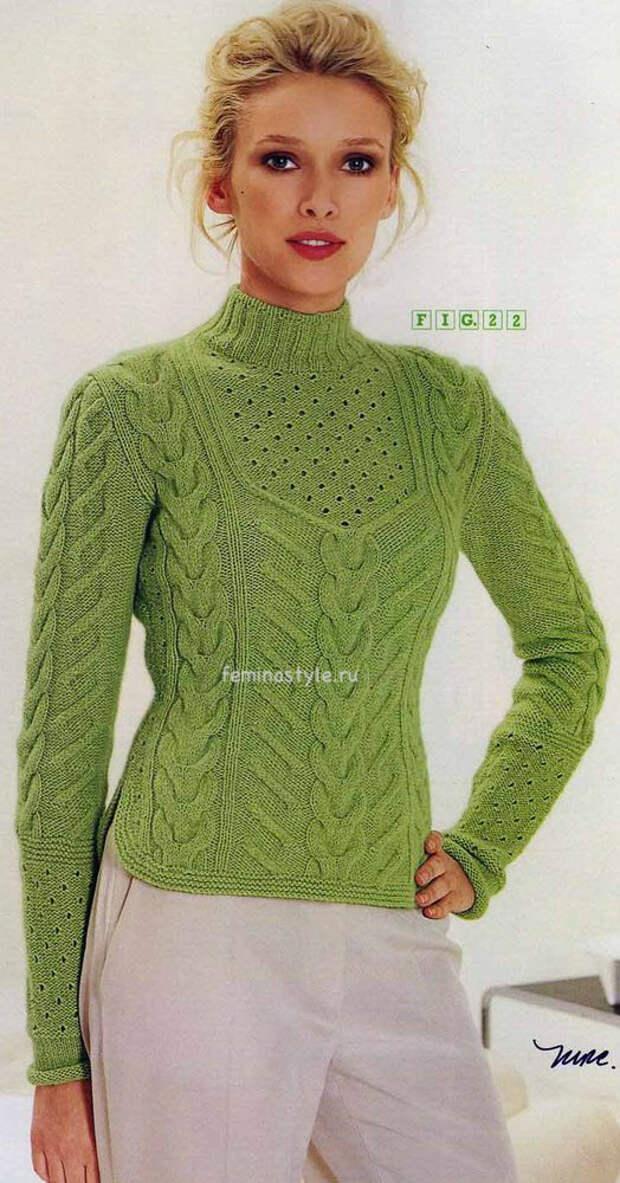 Зеленый узорчатый пуловер спицами