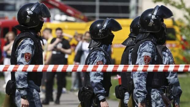 Федеральное агентство новостей ведет прямую трансляцию с места стрельбы в казанской школе