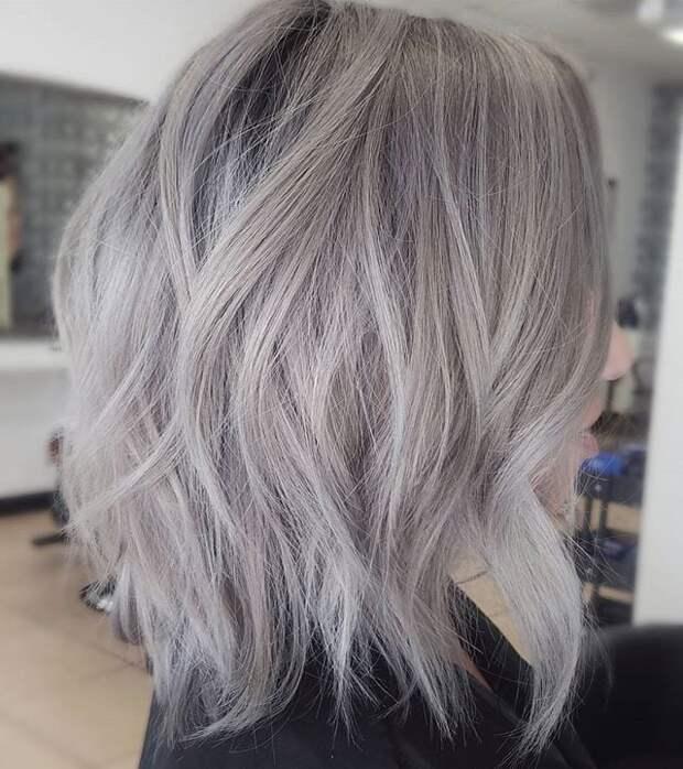 Великолепие серебристого: стильные идеи причёсок для седых волос