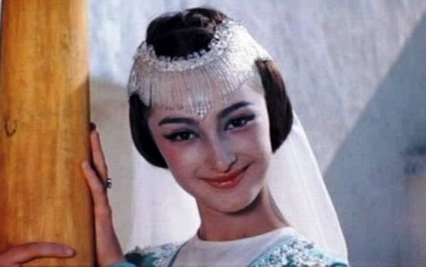 10 знаменитых на весь Союз актрис, чья карьера покатилась под откос