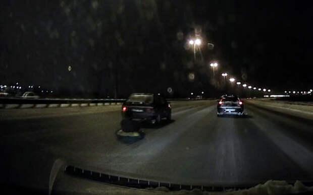 Катание на тюбинге по КАД со скоростью более 100 км/ч закончилось лишь штрафом