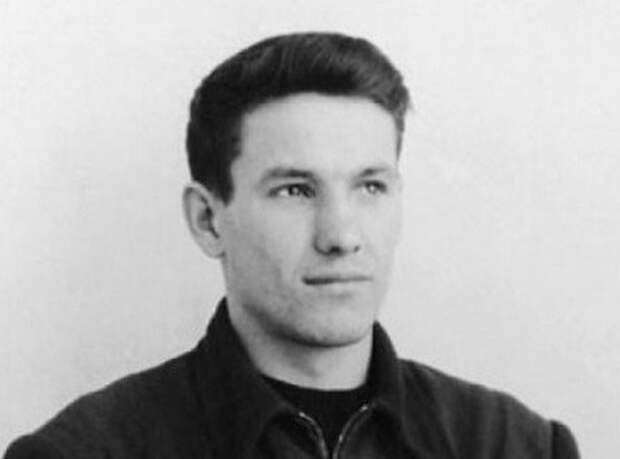 Почему Ельцина выгнали из школы без права дальнейшего обучения