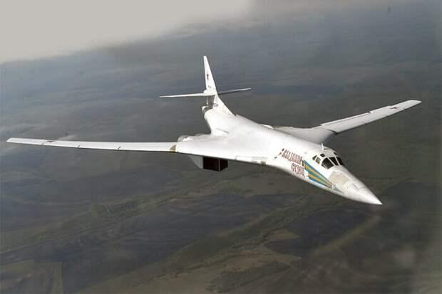В Китае ловкий маневр российского «Белого лебедя» назвали позором для ВВС США