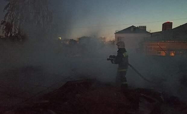 В горящей пятиэтажке в Екатеринбурге погибли двое