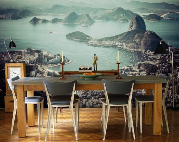 Оживить и украсить маленькую кухню всегда помогут панорамные фотообои. | Фото: happymodern.ru.