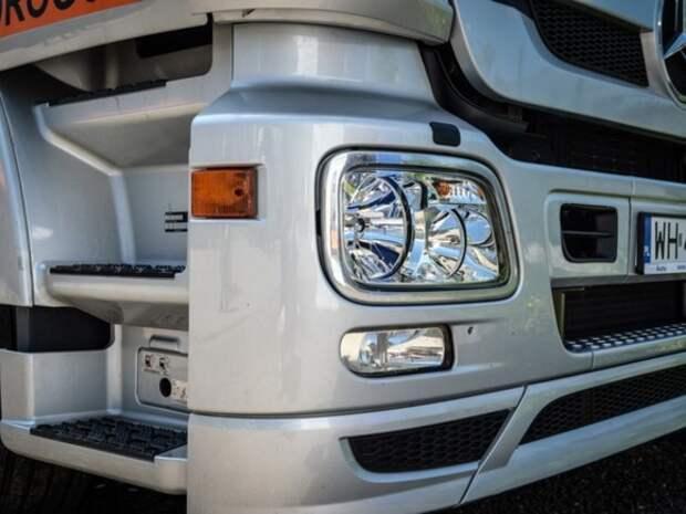 Под Ульяновском фура столкнулась с двумя грузовиками, водитель погиб