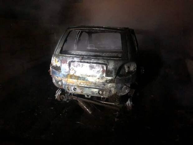 Огонь повредил 13 гаражей в одном из кооперативов Ижевска