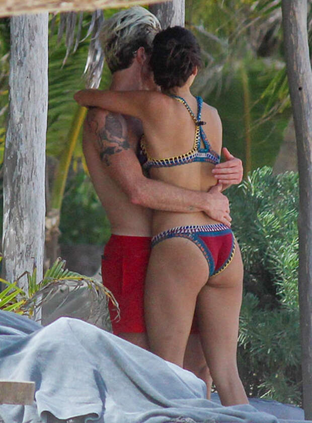 Нина Добрев проводит романтические каникулы в Мексике с олимпийским чемпионом Шоном Уайтом