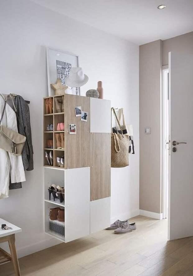 Вместительный подвесной мини-шкаф