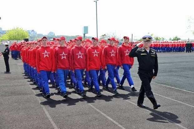 Курсанты Нахимовского училища Владивостока стали участниками акции в честь комплекса ГТО