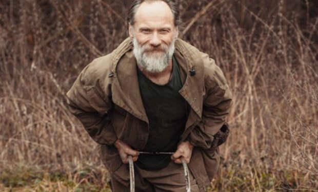 Первый советский бодибилдер: мужчина бросил спорт и живет в лесу