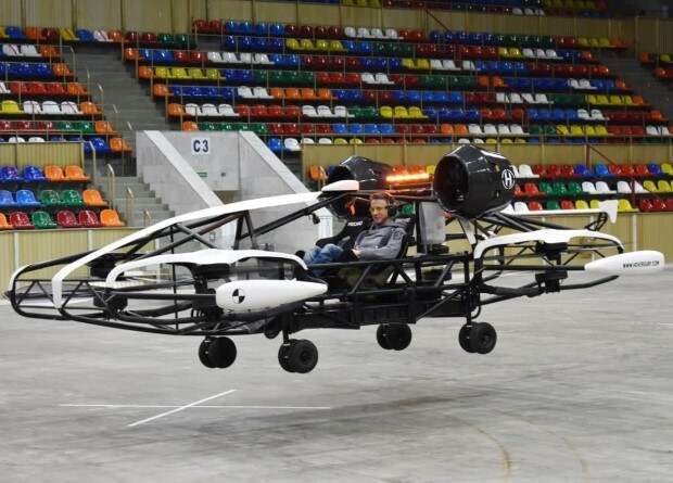 Hoversurf испытала аэротакси с пассажиром в «Лужниках»