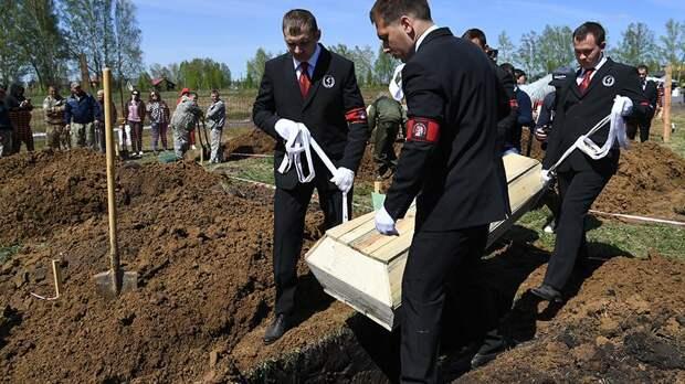 В Новосибирске прошел конкурс по скоростной копке могил