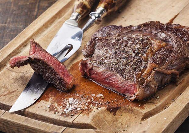 Секреты стейка: протыкаем мясо