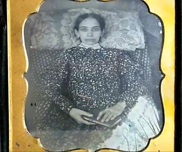 фото мертвой девушки