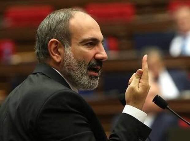 Пашинян рискует повторить судьбу президента Грузии