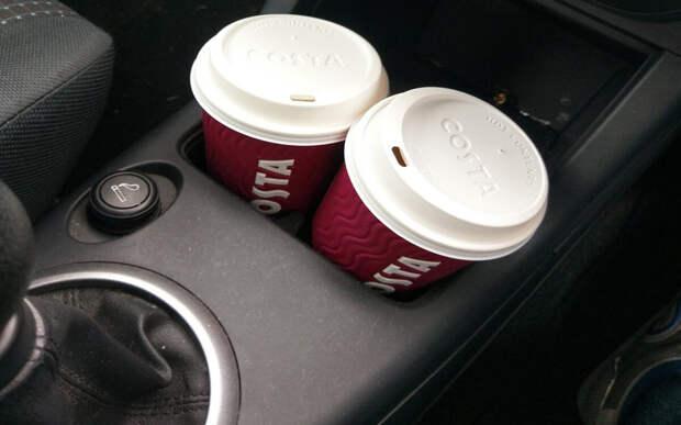 Типичный завтрак Американца по пути на работу, практически постоянно.