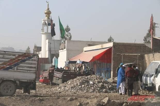 В Афганистане при взрыве в мечети погибли четыре человека